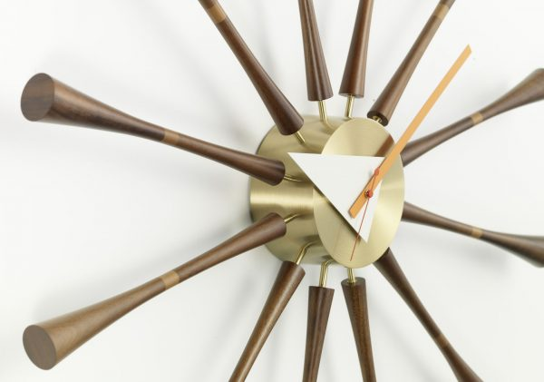 Vitra- Spindle Clock